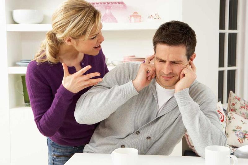 كيف أتعامل مع زوجي البخيل