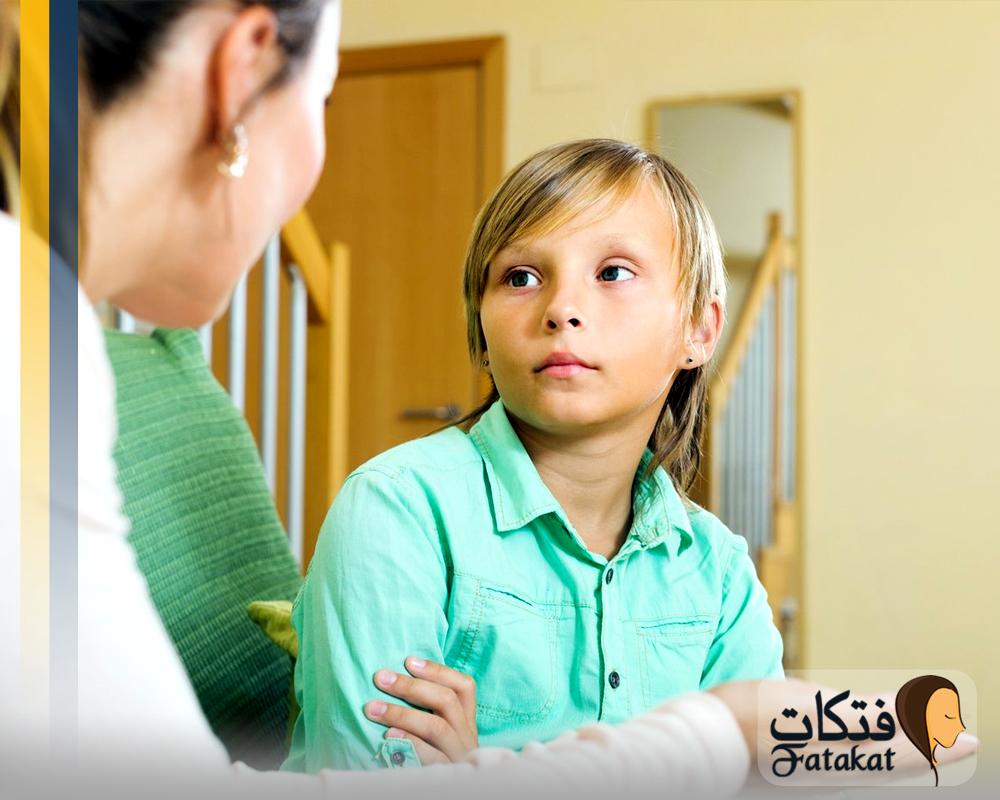 يلمس طفلي أعضائه التناسلية فكيف أتعامل معه؟